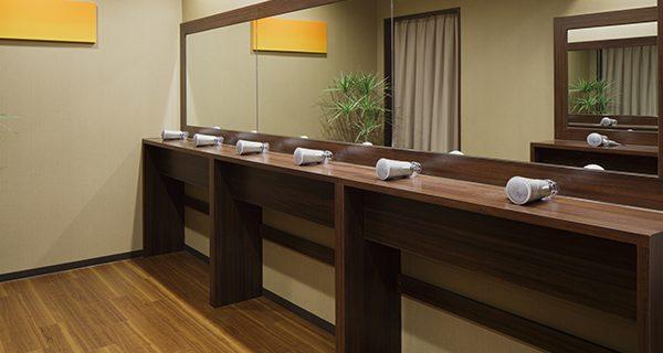 ホットヨガスタジオLAVA 京都三条店の店舗情報